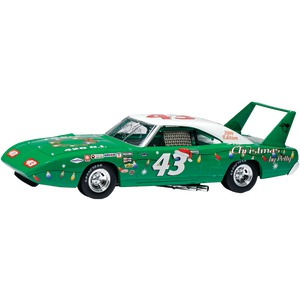 Toolbox Treasures Limited Edition 2009 Edition Richard Petty Christmas Superbird personally Autographed by Richard Petty