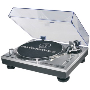 AUDIO TECHNICA 33 1-3 Direct-Drive Professional Turntable with USB AT-LP120-USB