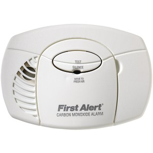 FIRST ALERT Battery-Powered Carbon Monoxide Alarm (No Digital Display) CO400