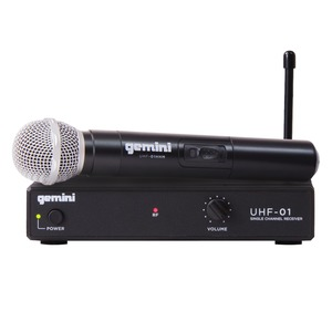 Single-Channel UHF Wireless Microphone System with Handheld Microphone