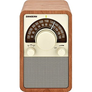 AM-FM Tabletop Radio (Walnut)